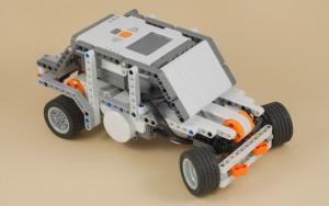 Lego NXT võidusõiduauto